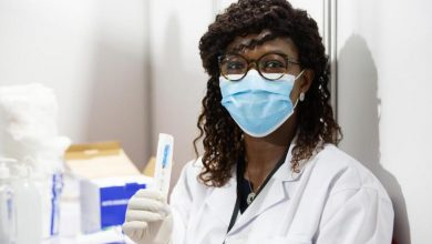 Konan Aphouet, 37, nurse prepares a syringe of the COVID-19 vaccine at the Treichville vaccination centre, in Abidjan, Côte d'Ivoire on 1 March 2021.